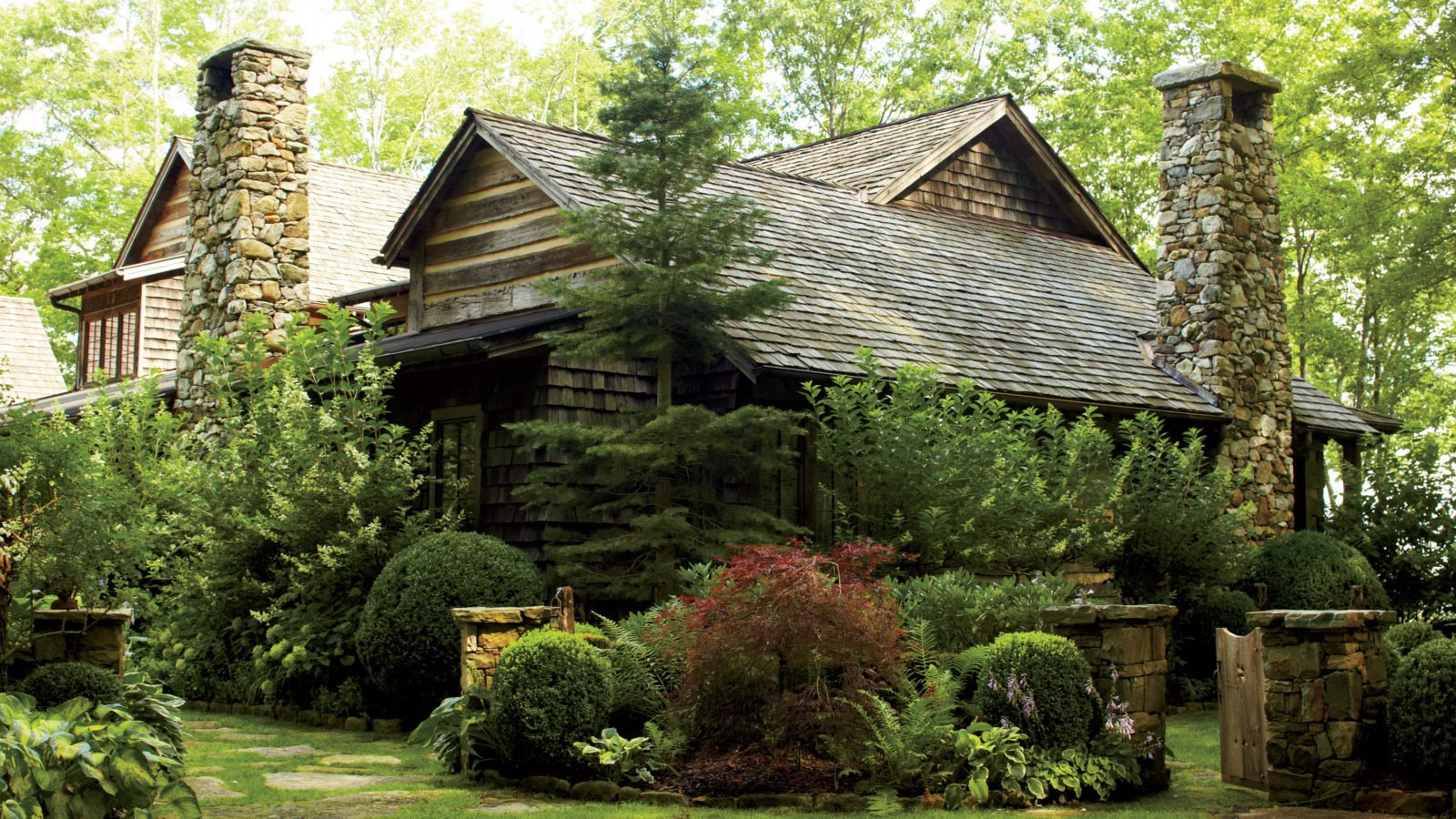 Superb Blue Ridge Hideout: A Welcoming Retreat